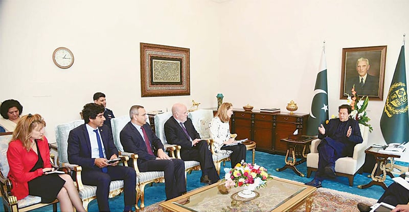 ISLAMABAD: Prime Minister Imran Khan exchanges views with Princess Sarah Zeid of Jordan, who is also the World Food Programme Ambassador and Special Adviser on Mother and Child Nutrition.—PPI
