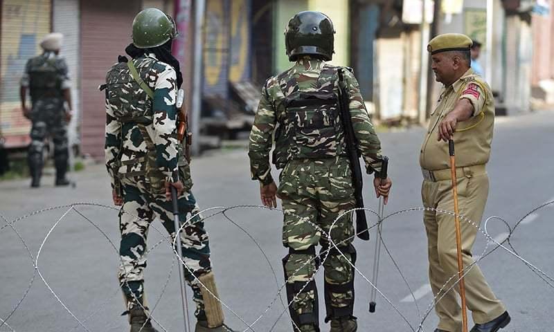 مقبوضہ کشمیر کے وسطی، شمالی و جنوبی حصے میں بھارتی قبضے کے خلاف عوام کی جانب سے پرزور مظاہروں کا انعقاد بھی کیا گیا۔ — فائل فوٹو/اے ایف پی