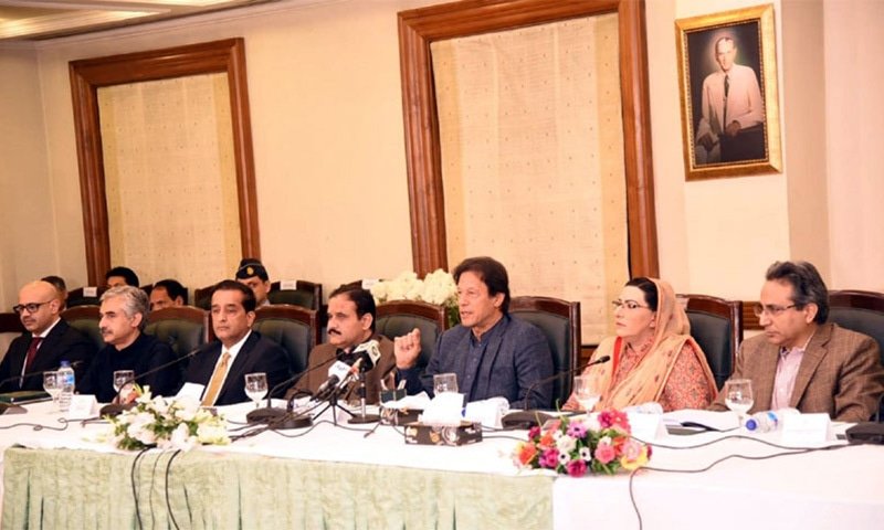 PM tells Buzdar's foes in PTI to wait for four years