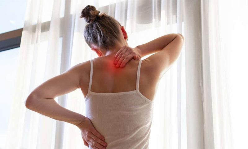 'نس دبنے' کی وجہ کیا ہوتی ہے اور گھر بیٹھے علاج کیسے ممکن ہے؟
