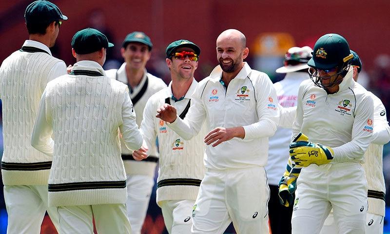 آسٹریلییا کی جانب سے نیتھن لائن دوسری اننگز میں پانچ وکٹیں لے کر سب سے کامیاب باؤلر رہے— فوٹو: اے ایف پی