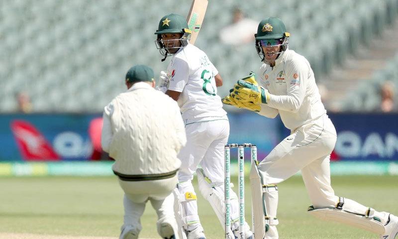 پاکستانی بلے باز آسٹریلیا کی ایک اننگز کے اسکور کو بھی برابر نہ کرسکے— فوٹو: اے پی