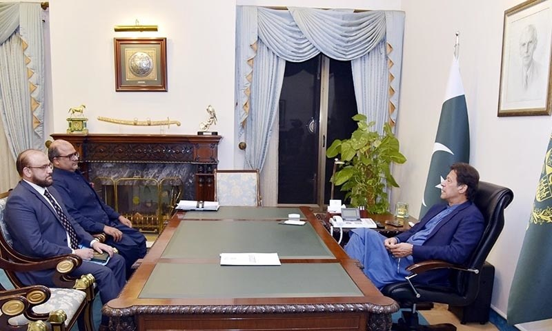 نئے ڈی جی ایف آئی اے واجد ضیا اور شہزاد اکبر نے وزیراعظم عمران خان کے ساتھ ملاقات کی — تصویر پی آئی ڈی