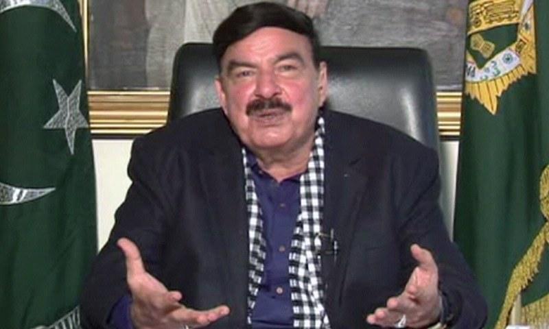 میں پرویز مشرف کو غدار اور کرپٹ نہیں سمجھتا، وزیر ریلوے — فوٹو: ڈان نیوز