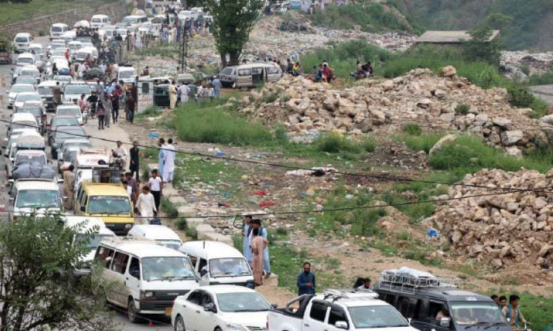 The Khyber Pakhtunkhwa police have directed the relevant officials to replicate the traffic management model, which has resulted into considerable decrease in traffic problems in Hazara division. — File