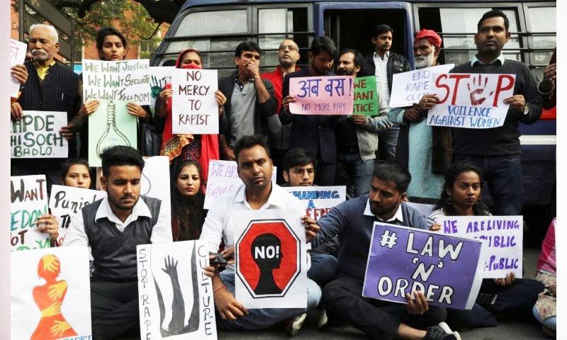 بھارت میں ہر 15 منٹ میں ایک خاتون کا ریپ ہوتا ہے، رپورٹ—فوٹو: رائٹرز