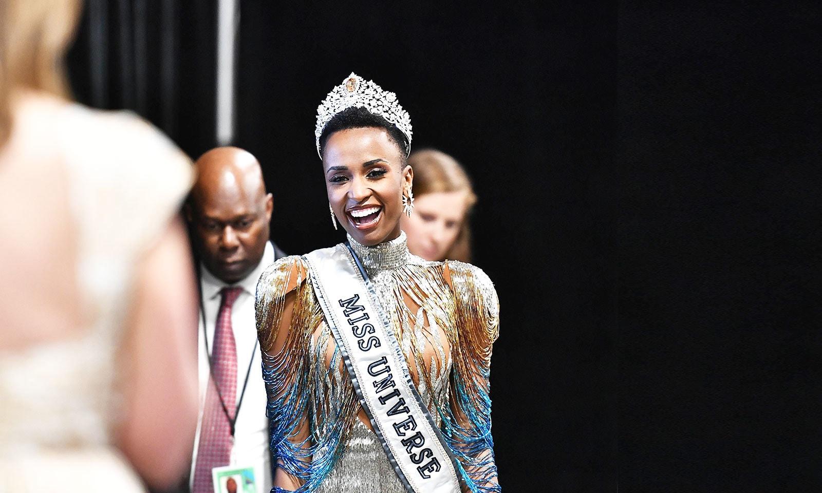پہلی بار جنوبی افریقہ سے سیاہ فام لڑکی منتخب ہوئی ہے—فوٹو: اے ایف پی
