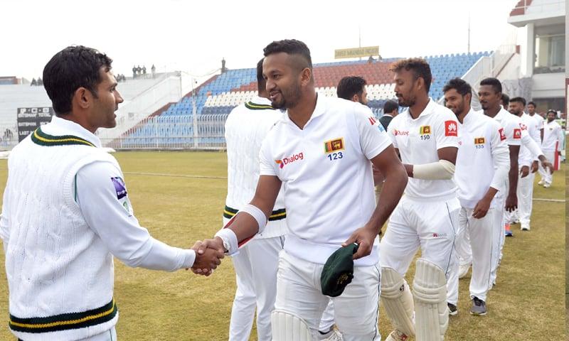 'سری لنکن ٹیم کو 'گارڈ آف آنر' دیا جانا چاہیے تھا'
