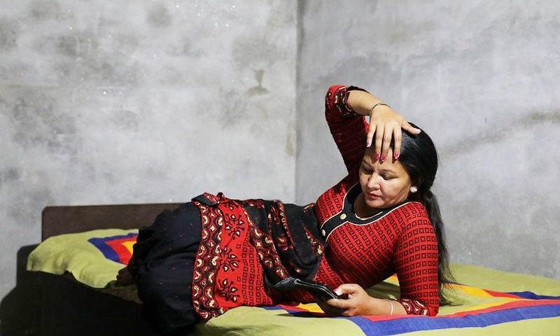 ستوندر کا شوہر بھی فرار ہوگیا اور اب وہ اپنی طرح کی دوسری خواتین کی مدد کرتی ہیں—فوٹو: رائٹرز