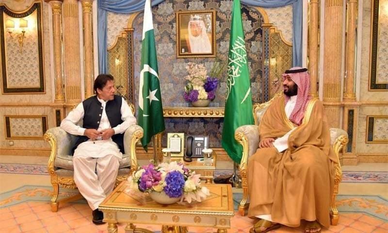 رواں برس اکتوبر میں وزیراعظم نے  خلیجی ریاستوں میں جاری کشیدگی کو کم کرنے کے لیے ایران اور سعودی عرب کا دورہ کیا تھا — فائل فوٹو: وزیراعظم آفس