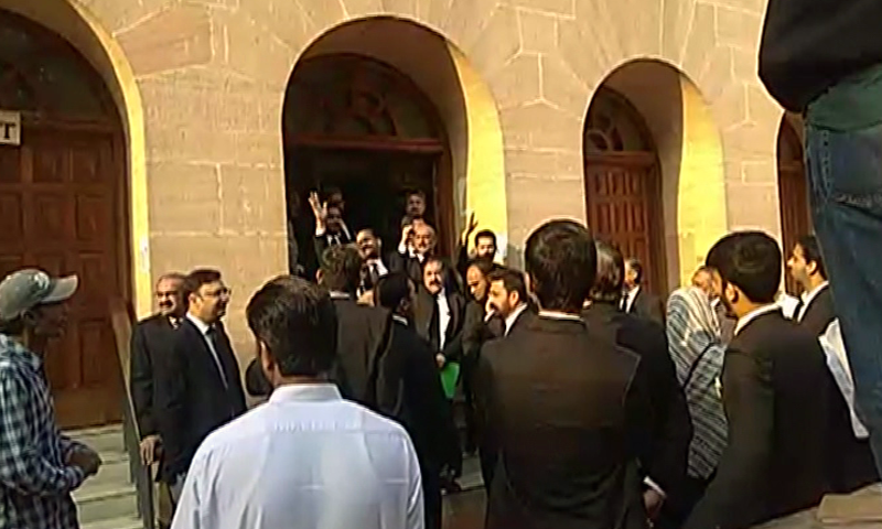 Lawyers protesting outside the Sindh High Court on Friday. — DawnNewsTV