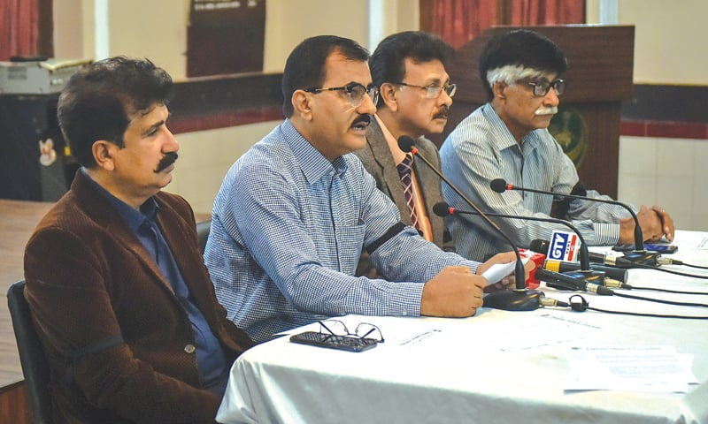 DR Abdul Ghafoor Shoro representing the Pakistan Medical Association speaks at a press conference held at the PMA House on Friday.—White Star