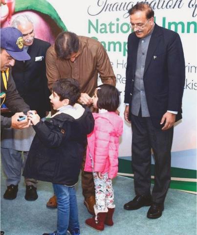 Imran Khan discusses bilateral ties with Saudi Crown Prince
