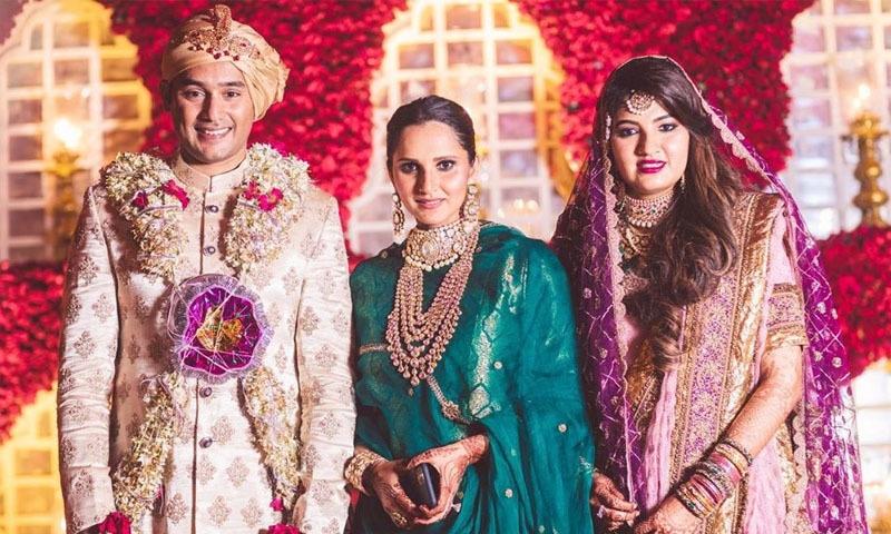 شادی میں ثانیہ مرزا نے سبز رنگ کا جوڑا پہنا—فوٹو: انسٹاگرام