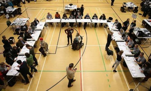 ووٹوں کی گنتی کا عمل —اے ایف پی