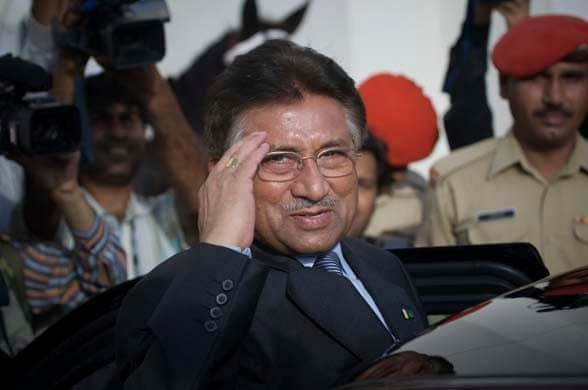 Musharraf salutes as he leaves the presidential house in Islamabad, August 18, 2008. — AP