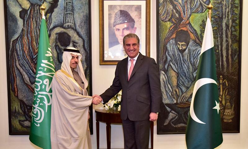 رواں برس اکتوبر میں منصب سنبھالنے کے بعد سعودی وزیر کا یہ پاکستان کا پہلا دورہ تھا— فوٹو:نوید صدیقی