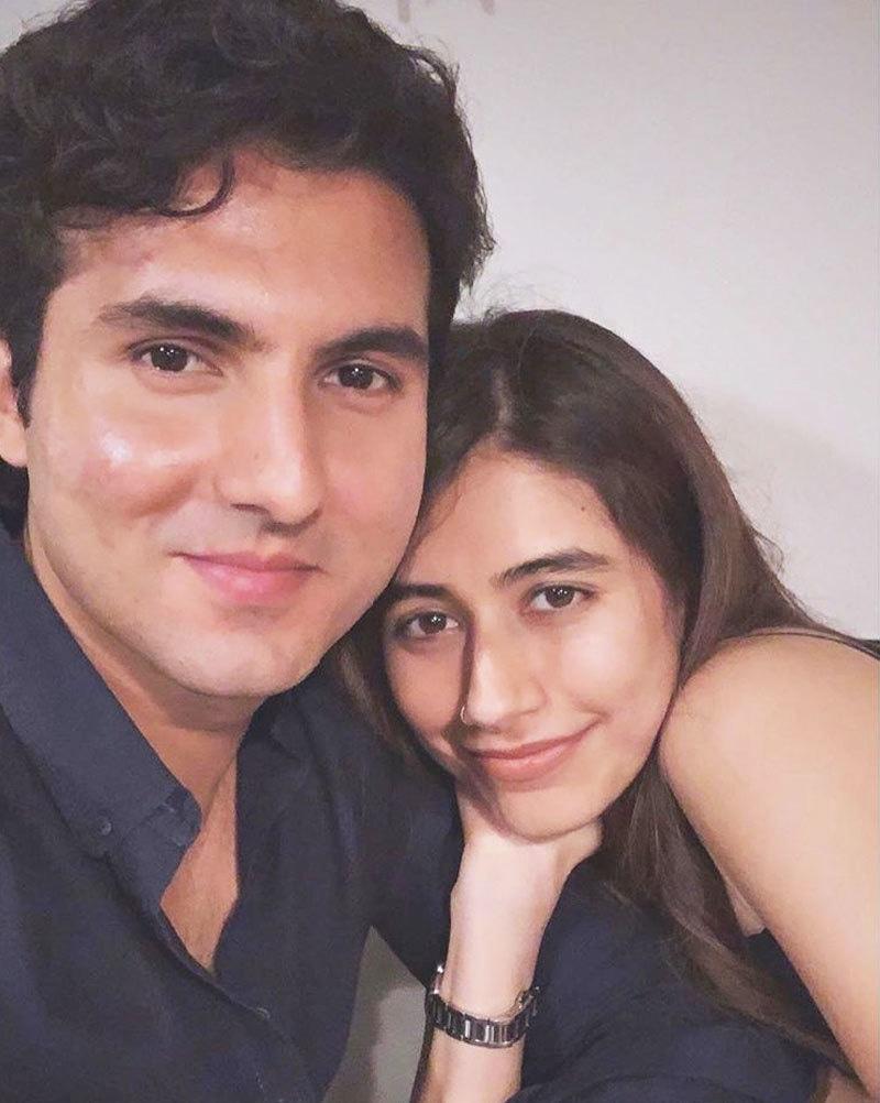سائرہ نے شوہر کے ساتھ آخری تصویر جون 2019 میں انسٹاگرام پر شیئر کی تھی—فوٹو: انسٹاگرام
