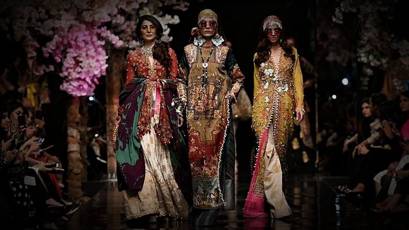 What Does Pakistani Fashion Hold In Store For 2020 Style Images