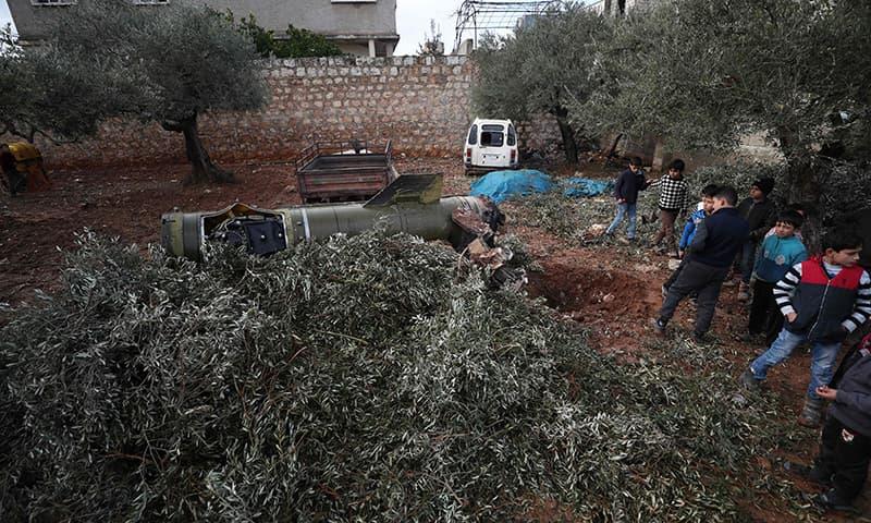 Syrian govt missiles kill eight in Idlib shelter