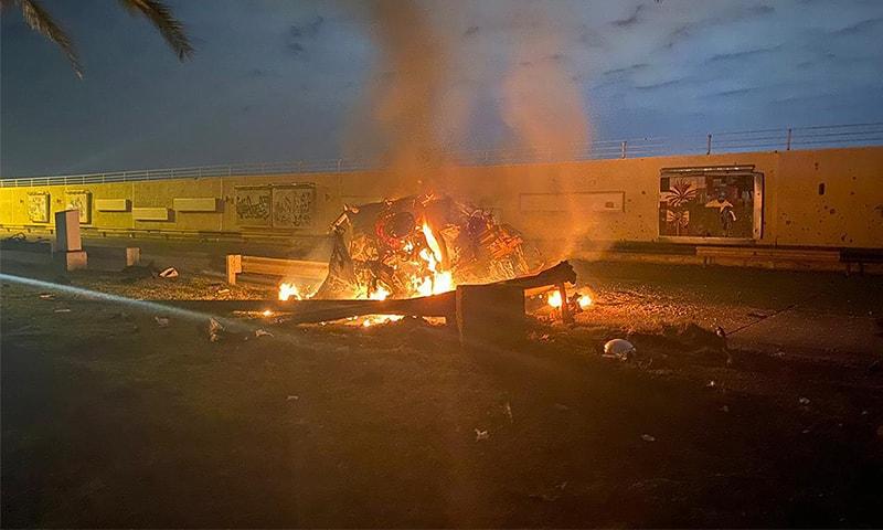 عراقی ملیشیاز گروپ کے فیس بک پر امریکی حملے سے تباہ ہونے والی گاڑی کی تصویر پوسٹ کی گئی—فراہم کردہ: اے ایف پی