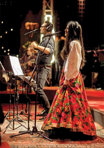 Ali Sethi and Quratulain Baloch collaborated on Mundiya in the last season of Coke Studio