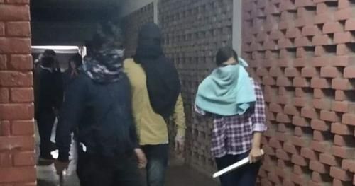 Masked men attack pro-left students in Delhi varsity