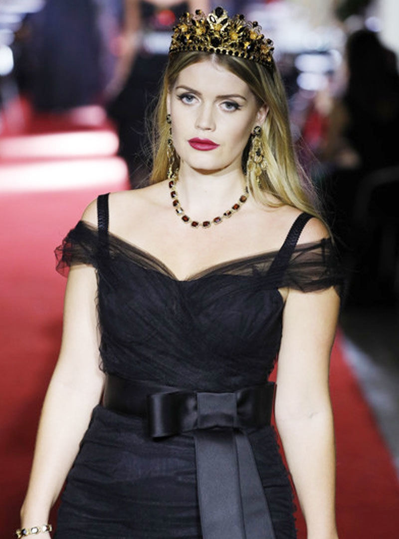 Lady Diana's niece engaged a 32 year old man 1