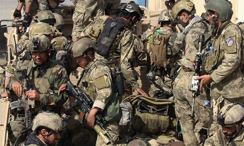 نیٹو افواج 2018 سے عراق میں داعش کے خلاف لڑنے کے لیے عراقی فوج کو تربیت دے رہی ہیں — اے ایف پی /فائل فوٹو