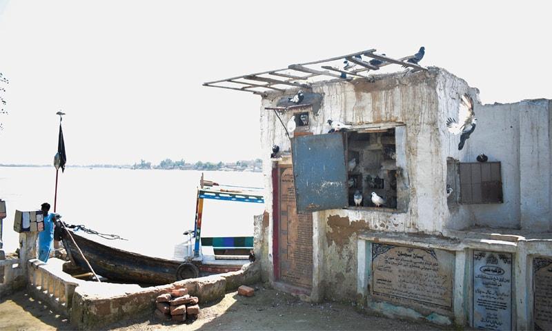 The Shrine of Khawaja Khizr off Sukkur has fallen into disrepair | Photo by the writer