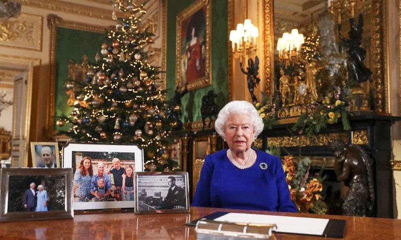 شہزادہ ہیری کے اعلان کے بعد ملکہ برطانیہ نے اہم اجلاس طلب کرلیا—فوٹو: اے پی