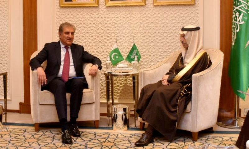 وزیر خارجہ نے اپنے سعودی ہم منصب شہزادہ فیصل بن فرحان السعود سے ملاقات کی — فوٹو: نوید صدیقی