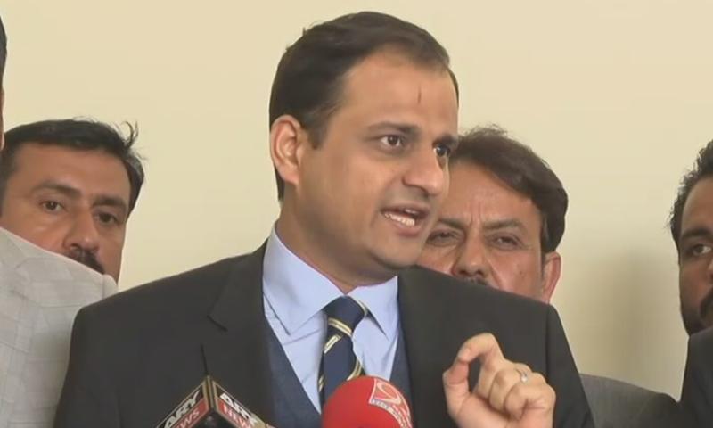 Sindh government spokesperson Murtaza Wahab addresses the media in Karachi on Jan 14. — DawnNewsTv