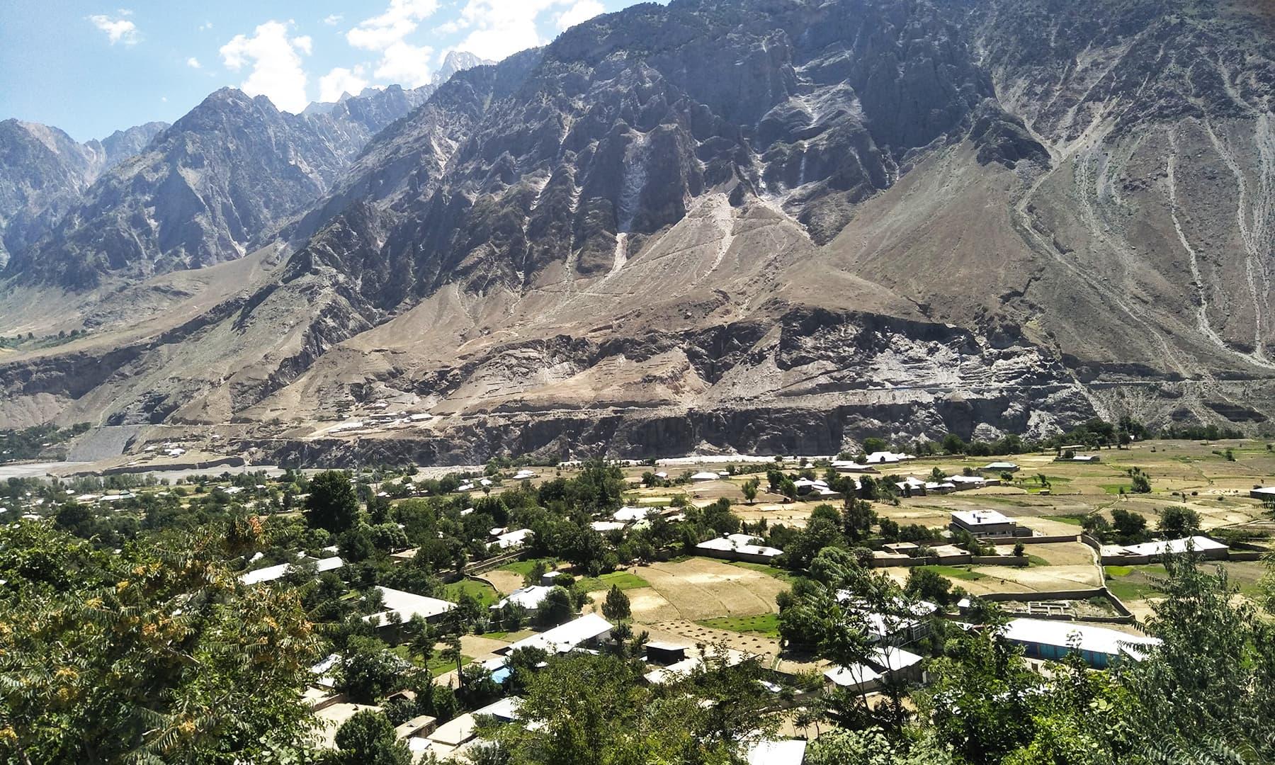 چترال میں واقع 'ایون' نامی گاؤں