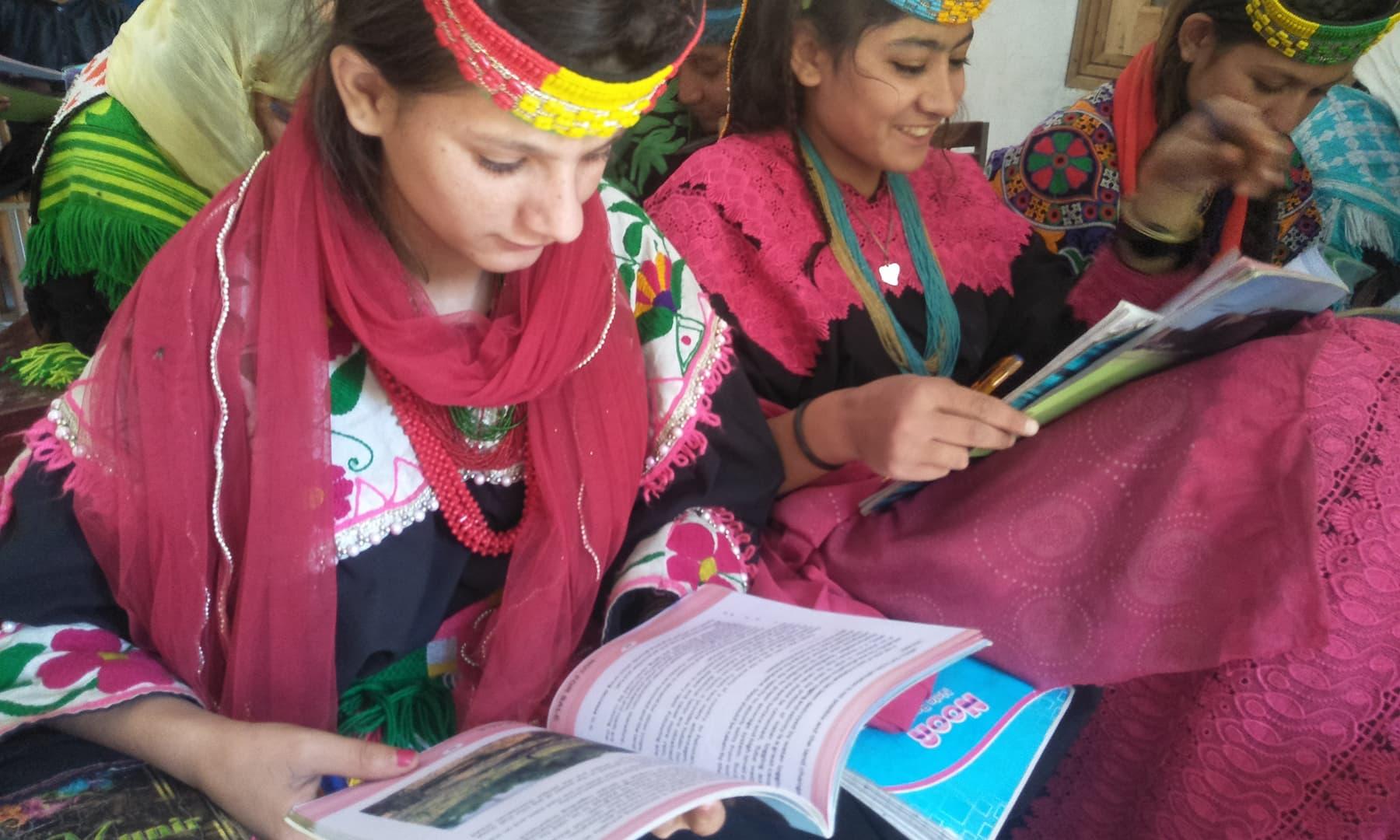 اسکول میں نرسری تا 8ویں جماعت تک مقامی زبان میرک میں تعلیم فراہم کی جاتی ہے—تصویر عظمت اکبر