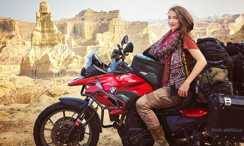 روزی گیبریل نے موٹر سائیکل پر سیاحت جاری رکھنے کا اعلان کیا—فوٹو: انسٹاگرام