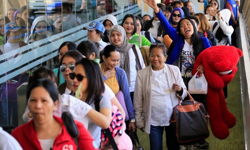 فلپائن، تھائی لینڈ اور ویتنامی خواتین بھی یو اے ای میں زیادہ تعداد میں ملازمت کرتی ہیں—فائل فوٹو: اے ایف پی