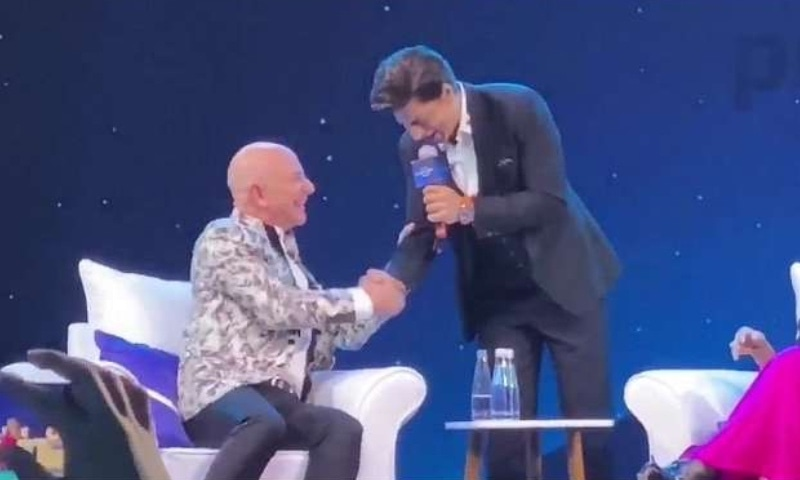 Clearly Bezos thinks SRK is very funny!