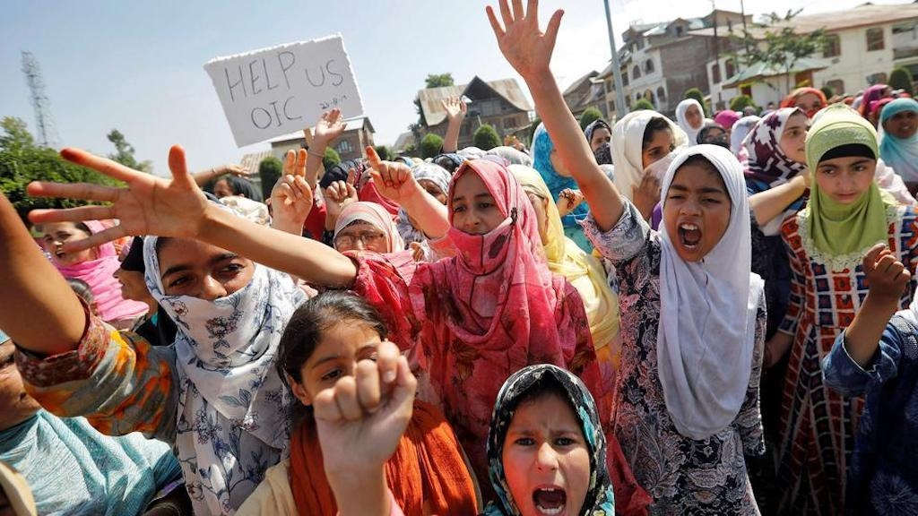 Kashmiri girls protest in Srinagar, on August 23, 2019 | Reuters