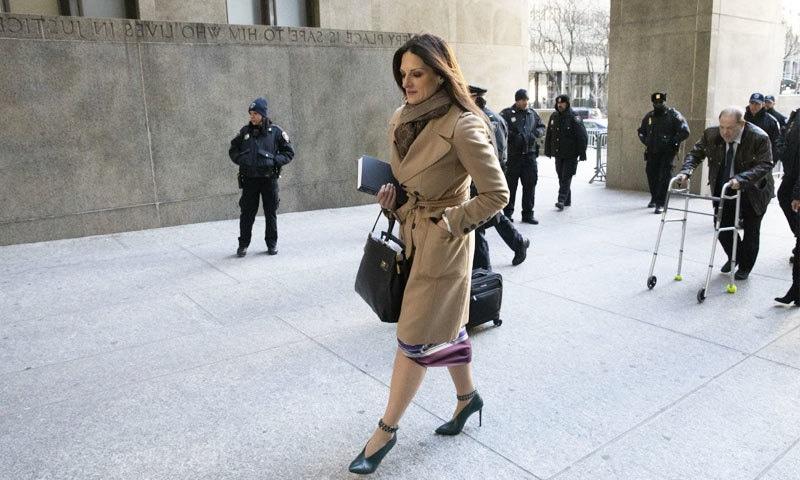 ہاروی وائنسٹن کی وکیل ڈونا رتونو کو ریپ کیسز کے حوالے سے بہت تجربہ ہے—فوٹو: اے پی