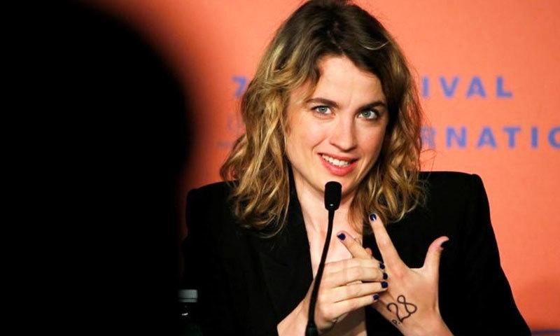 فرانسیسی عدالت میں فلم ساز پر'نابالغ لڑکی' کے جنسی استحصال کا الزام عائد