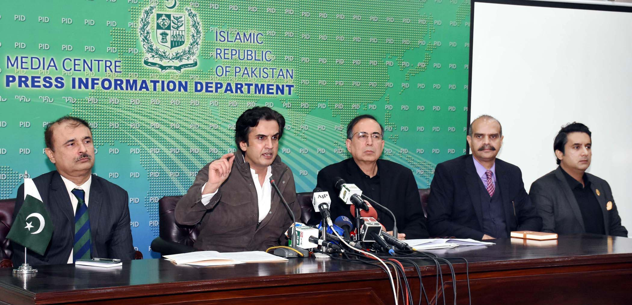 Minister for National Food Security and Research Khusro Bakhtiar addressing a press conference on wheat shortage in Islamabad on Sunday. — PID