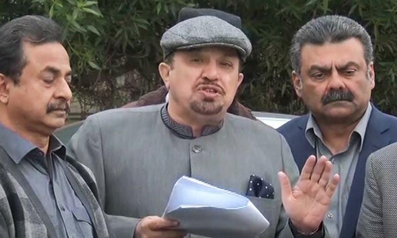 انہوں نے کہا کہ سندھ میں آٹا بحران سے متعلق نئے نئے انکشاف سامنے آرہے ہیں —فائل فوٹو: ڈان نیوز