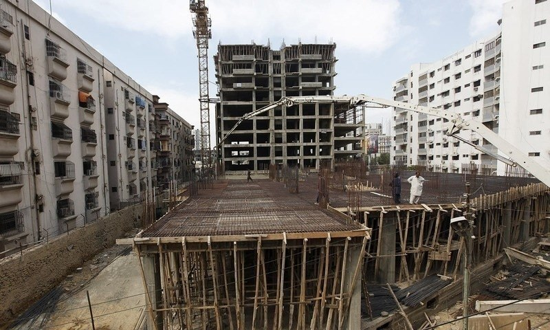 Contractors urge LDA officials to discuss their financial woes with urban development wing high-ups. — Dawn/File
