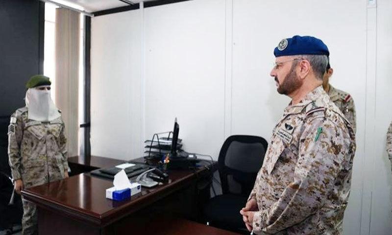 خواتین ونگ سینٹر میں خواتین فوجیوں کو تعینات بھی کردیا گیا—فوٹو: سعودی گزٹ