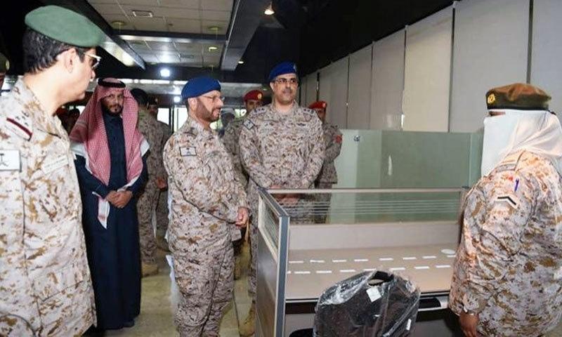 سعودی حکومت نے فوج میں خواتین کی بھرتی بھی شروع کر رکھی ہے—فوٹو: سعودی گزٹ