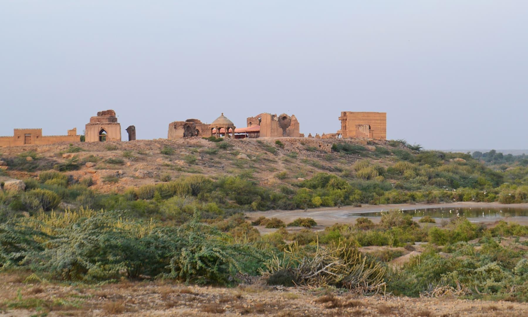 مکلی قبرستان—تصویر ابوبکر شیخ