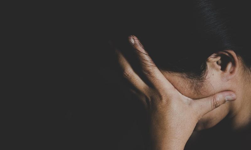 بھارت: خاتون کا شوہر پر 'ریپ اور تشدد' کا الزام