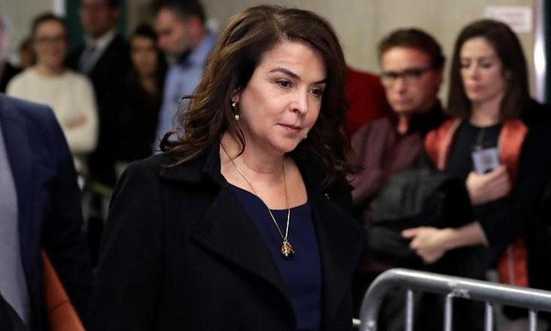 اداکارہ اینابیلا شیورہ نے بھی عدالت میں ہاروی وائنسٹن کے خلاف بیان ریکارڈ کروادیا — فوٹو:  سی این این