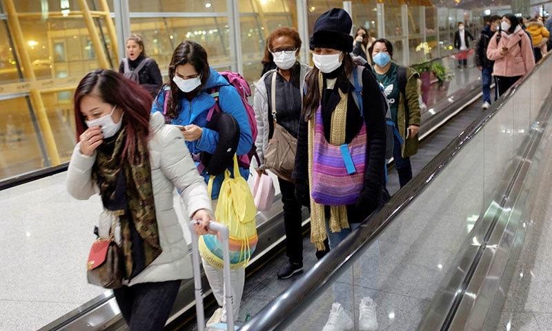 چین کے علاوہ بھی دیگر ممالک میں اس وائرس کے کیسز سامنے آگئے—فوٹو: رائٹرز